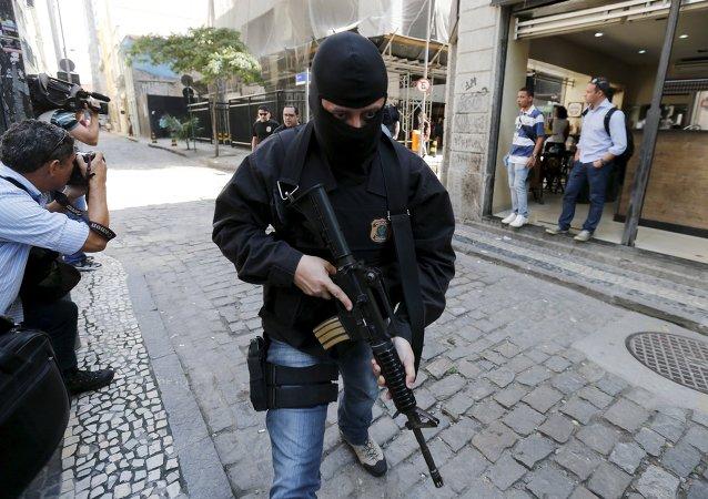 Una policía de Brasil
