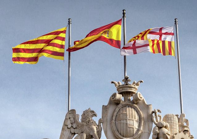 Banderas de Cataluña, España y Barcelona