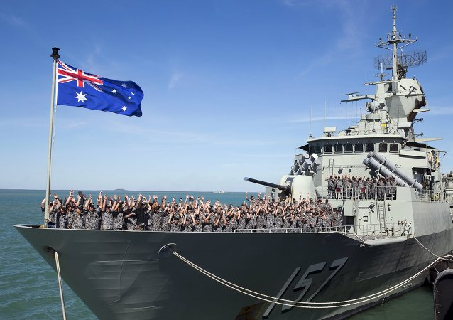 Buque HMAS Perth de Armada Real Australiana