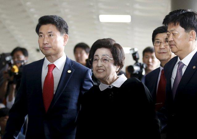 Lee Hee-ho, la viuda del expresidente surcoreano Kim Dae-jung