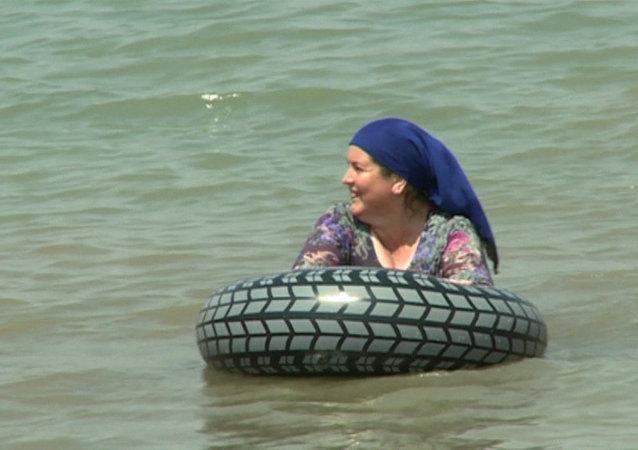 Primera playa exclusiva para mujeres de Chechenia