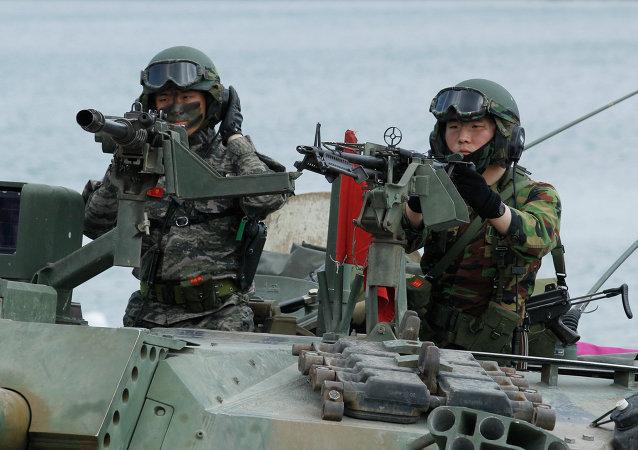Corea del Sur anuncia ejercicios de artillería conjuntos con EEUU