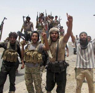 Combatientes yemeníes leales al expresidente Abdo Rabu Mansur Hadi en la provincia de Lahij, el 4 de agosto, 2015