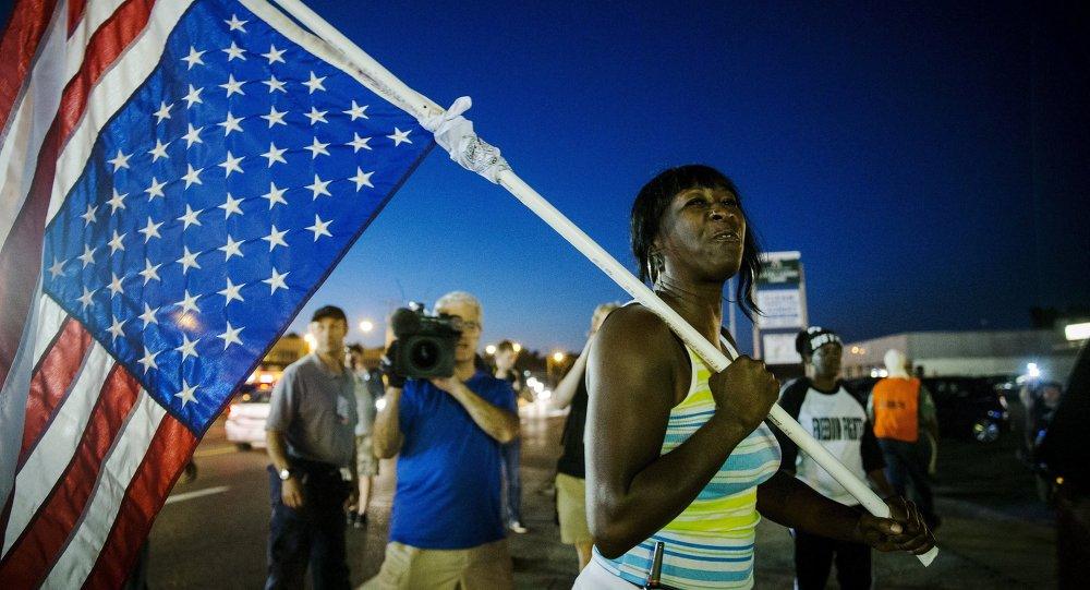 Protesta en Ferguson, el 10 de agosto, 2015