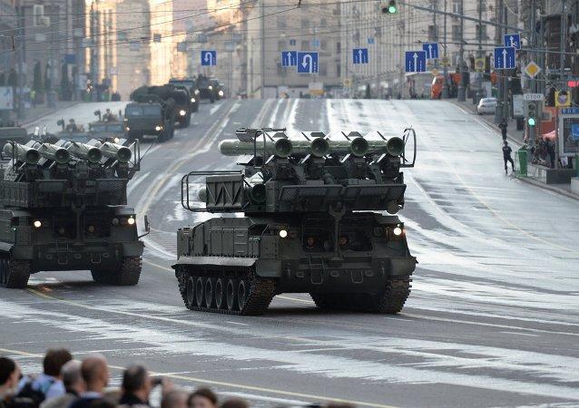Ensayo del desfile militar en la Plaza Roja en Moscú