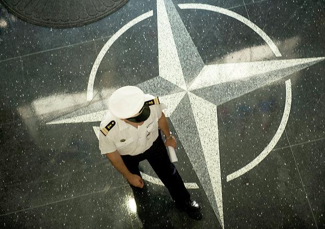 símbolo de la OTAN