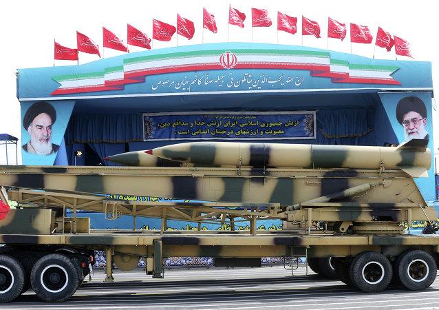 Desfile militar con motivo del Día de las Fuerzas Armadas de Irán