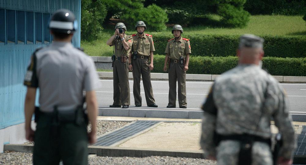 Soldados de Corea del Sur y de Corea del Norte en la zona desmilitarizada (archivo)