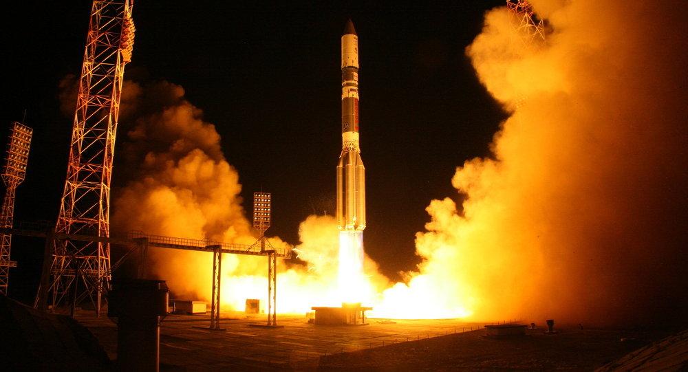 Lanzamiento del cohete Protón-M (archivo)