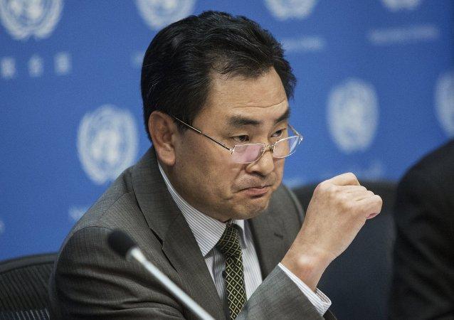 El embajador del Corea del Norte ante la ONU, An Myong Hun