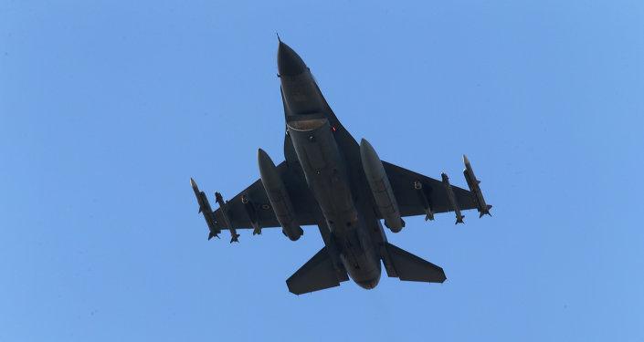Caza F-16 de la Fuerza Aérea de Turquía