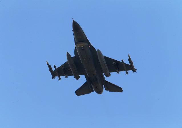 Fuerza Aérea de Turquía ataca las posiciones de Daesh en el norte de Siria