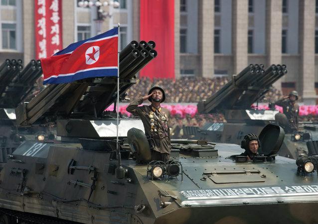 Desfile militar en Pyonyang (archivo)