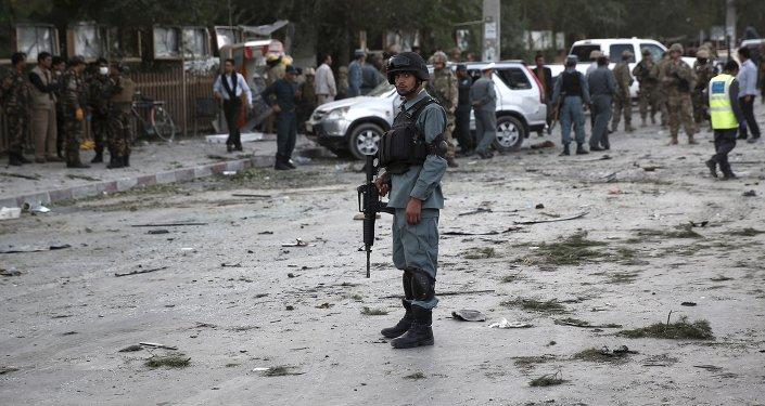 Afganistán: un doble atentado suicida causa una masacre cerca del Parlamento