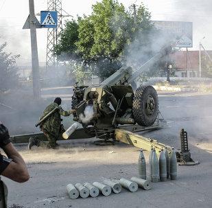 Los milicianos de Donbás disparan contra las posiciones de Ejército ucraniano (Archivo)