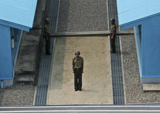 Militares de Corea del Norte en la aldea fronteriza de Panmunjom (archivo)