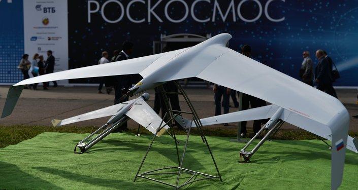 Drones Zala 421-04M y Zala 421-16E5 en la exposición MAKS 2015