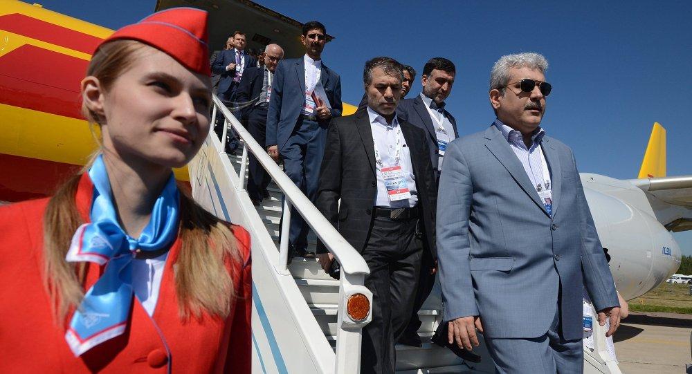 Vicepresidente de Irán, Sorena Sattari, durante su visita al Salón Aeroespacial Internacional MAKS-2015