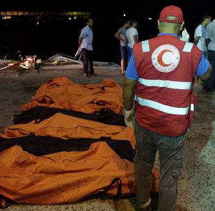 Los cuerpos de los refugiados ahogados cerca de la ciudad libia de Zuara