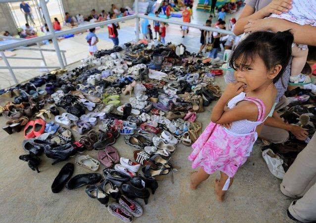 Niña colombiana en un refugio de deportados en Villa del Rosario