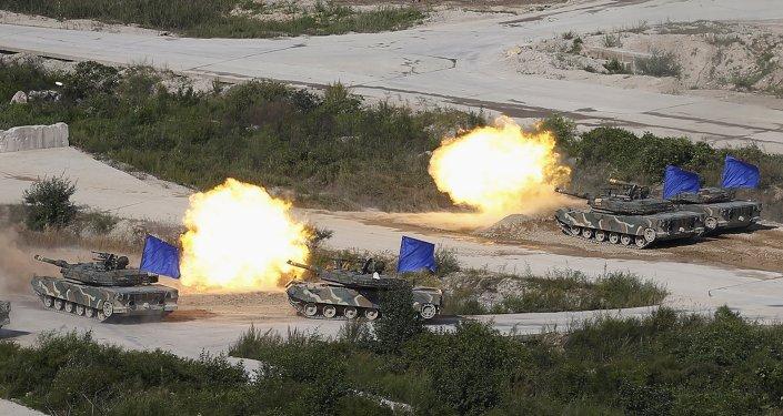 Ejercicios de Corea del Sur en la zona desmilitarizada que separa las dos Coreas