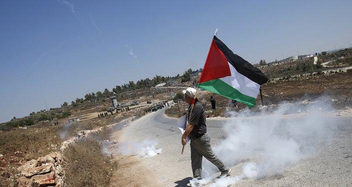 Manifestante palestino en Nabi Saleh