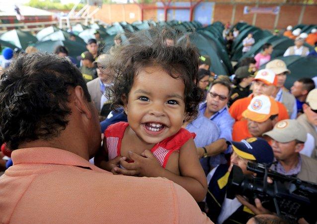 Colombianos deportados a su país desde Venezuela