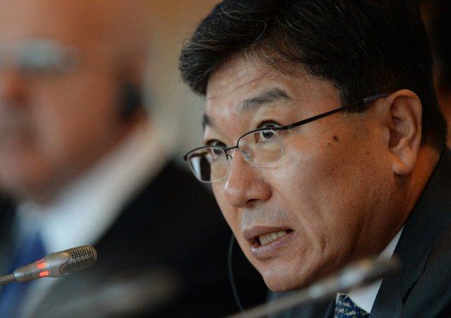 Yoon Sang-jick, ministro de Industria de Corea del Sur