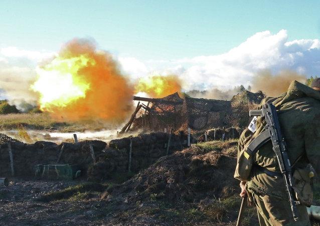 Prácticas de tiro con un cañón autopropulsado Guiatsint