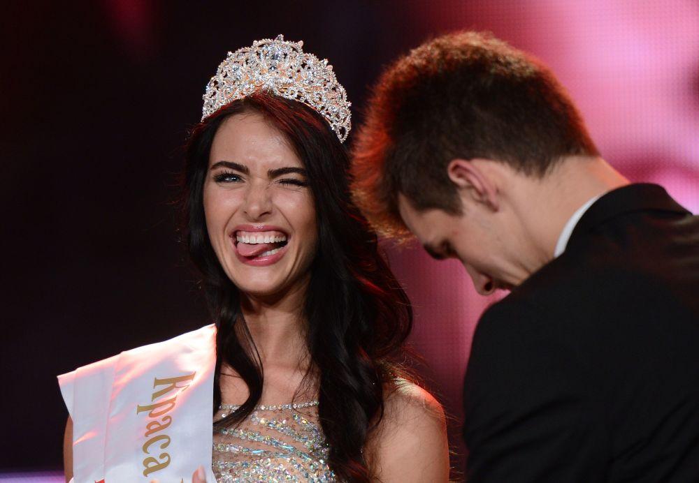 Ekaterina Bazhénova, merecedora del título Belleza de Moscú 2014