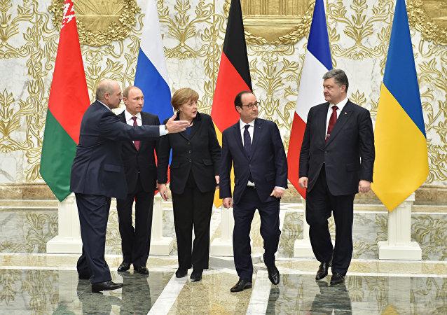 Los líderes de Rusia, Alemania, Francia, Ucrania y Bielorrusia en la cumbre en Minsk (archivo)