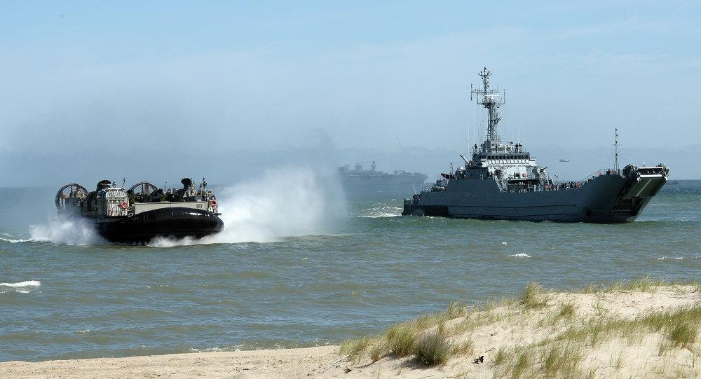 Maniobras de las tropas de la OTAN, ribera de Ustka, Polonia del norte