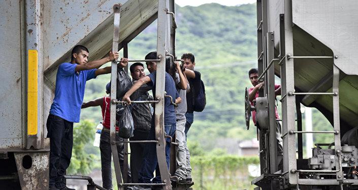 Inmigrantes ilegales en la frontera entre México y EEUU