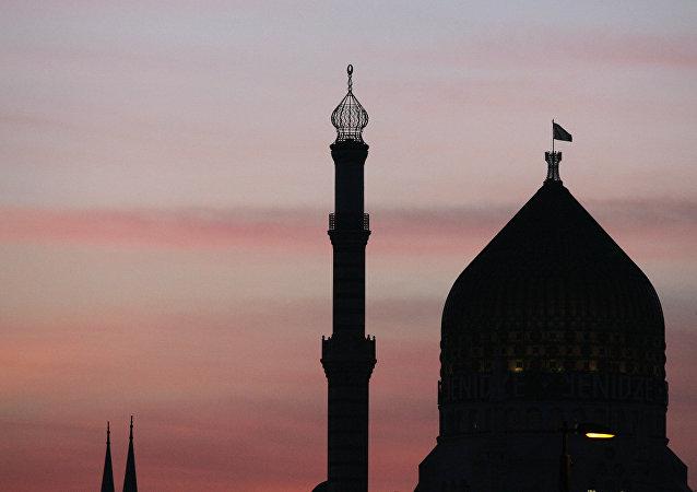 Yenidze, un edificio de Dresde conocido por su aspecto externo, similar al de una mezquita.