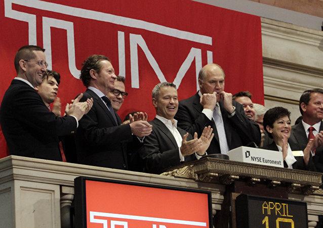 Presidente de Tumi, Jerome Griffith con sus colegas