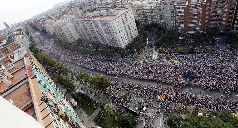 Partidarios de la independencia de Cataluña en la Avenida de la Meridiana