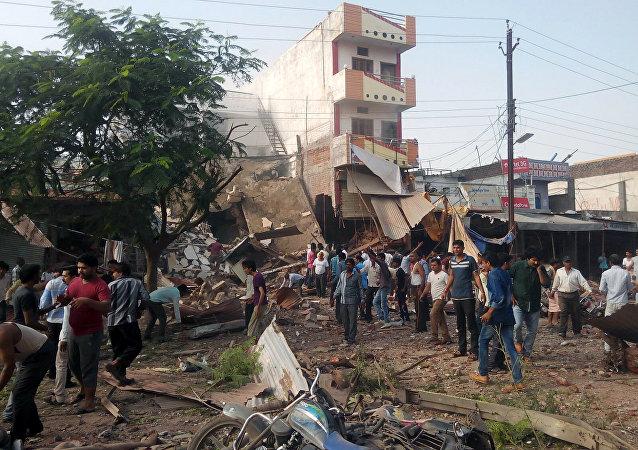 Lugar de la explosión en el distrito de Jhabua del estado de Madhya Pradesh, la ciudad de Petlawand, India, el 12 de septiembre, 2015