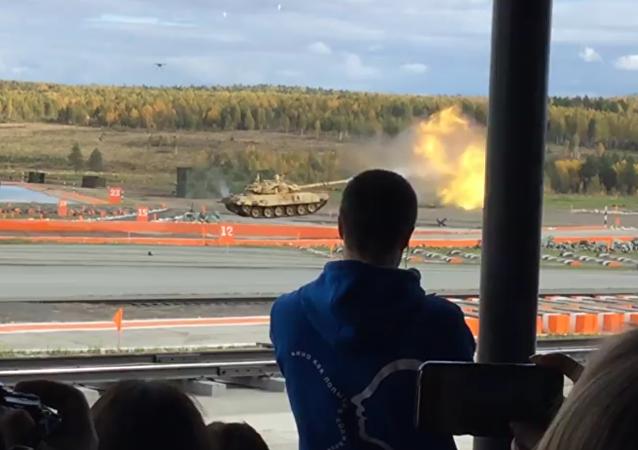 El poderío del tanque T-90
