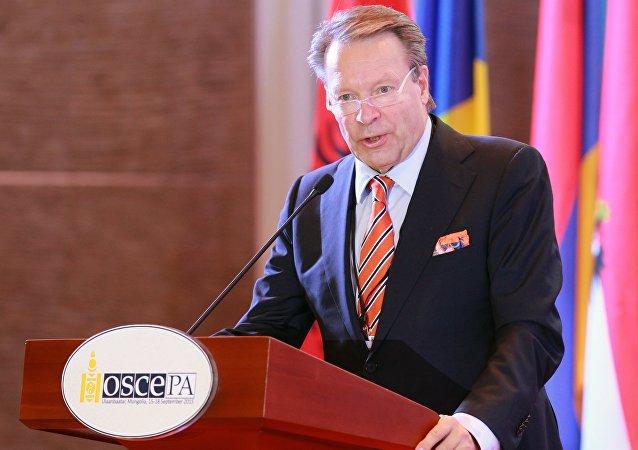 El jefe de la Asamblea Parlamentaria de la OSCE, Ilkka Kanerva