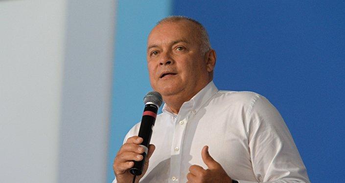 El director general de la agencia internacional Rossiya Segodnya, Dmitri Kiseliov