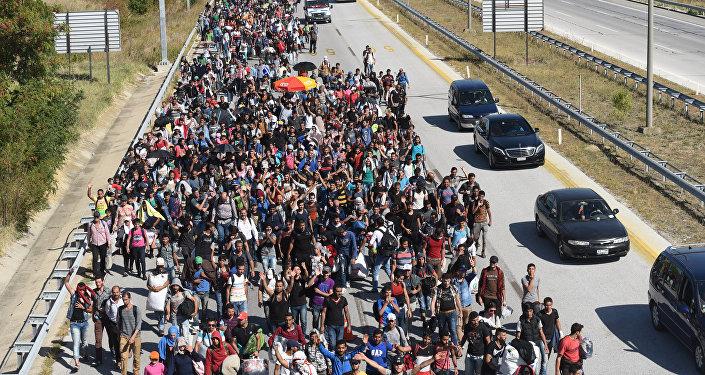 Migrantes y refugiados de Siria están yendo hacia la frontera de Grecia