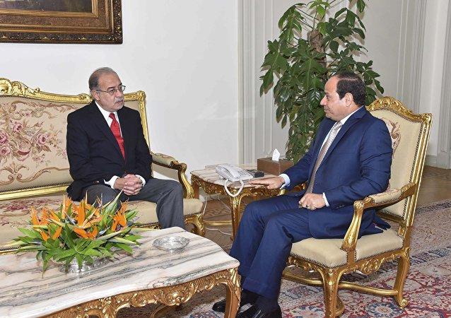 Abdelfatah al Sisi, presidente de Egipto y Sherif Ismail, primer ministro de Egipto