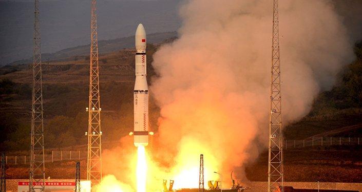 Lanzamiento del cohete Larga Marcha 6 (archivo)