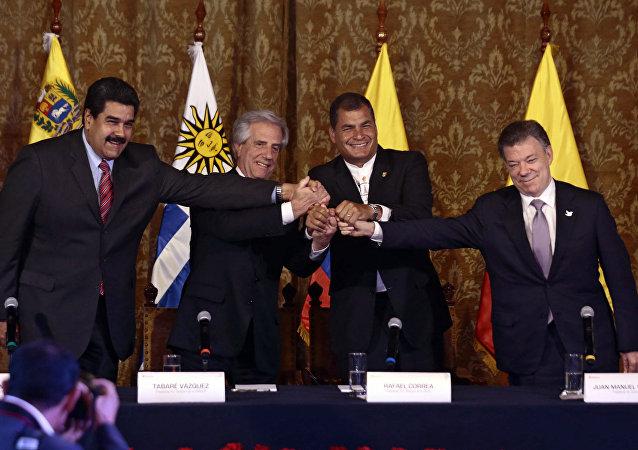 Presidente de Venezuela, Nicolás Maduro, presidente de Uruguay, Tabaré Vázquez, presidente de Ecuador, Rafael Correa, y presidente de Colombia, Juan Manuel Santos