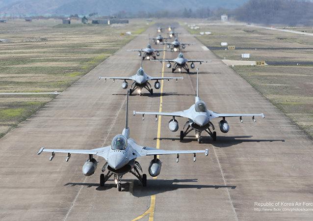 Cazas KF-16 surcoreanas