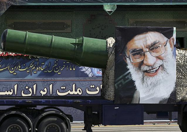 Desfile militar en Teherán