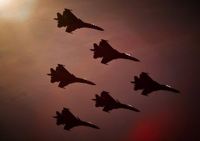 Cazas Su-27