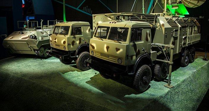 Modelos de los equipos para la lucha radioelectrónica del consorcio KRET