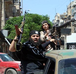 Militantes del grupo terrorista Frente Al Nusra (archivo)