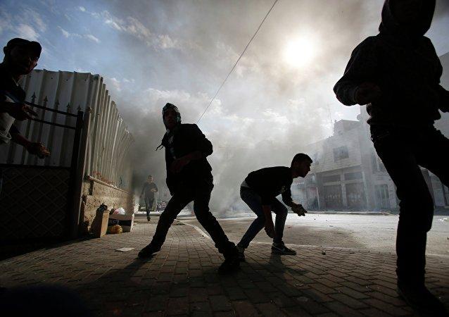 Israel establece pena mínima de cuatro años de cárcel por lanzar piedras